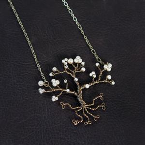 dogwood-necklace